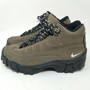 Nike ACG Shoes - Nike ACG Hiking Trail Ankle Boots